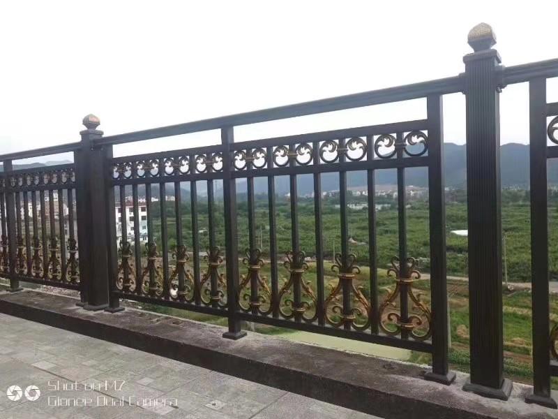 围墙护栏两栏图片-4