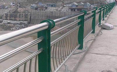 桥梁护栏图片--1