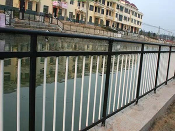 沿河护栏图片--2