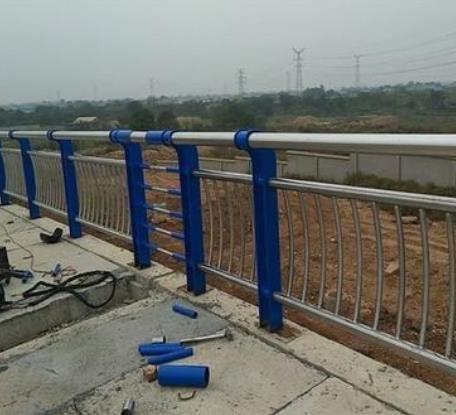 河堤护栏图片--1