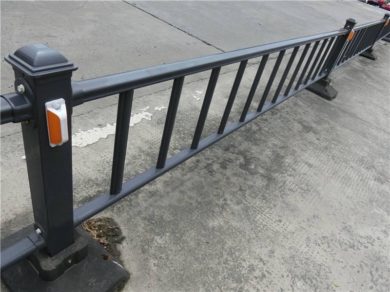交通护栏网图片--1