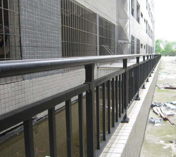 小区阳台护栏图片--4