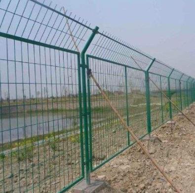 圈地护栏网图片--2